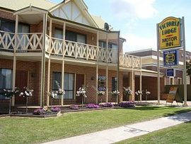 Victoria Lodge Motor Inn and Apartments - Whitsundays Tourism