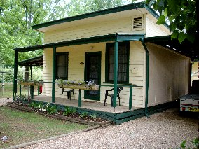 Pioneer Garden Cottages - Whitsundays Tourism