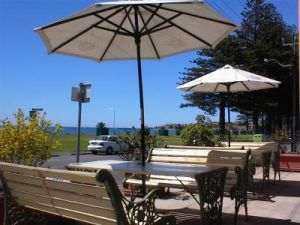 Anchorage At Victor Harbour Seafront Hotel - Whitsundays Tourism