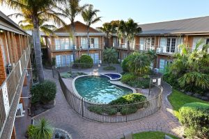 Quality Hotel Melbourne Airport - Whitsundays Tourism