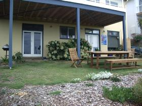 Victor Apartments - Cheri-On-Sea Apartment - Whitsundays Tourism