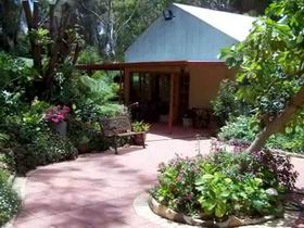 Rainforest Retreat - Whitsundays Tourism