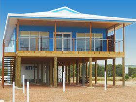Lincoln View Holiday Home - Whitsundays Tourism