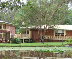 Poppies Bed and Breakfast - Whitsundays Tourism