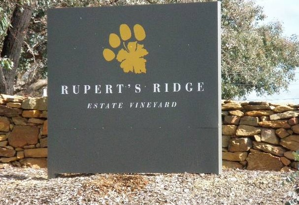 Rupert's Ridge Retreat - Whitsundays Tourism