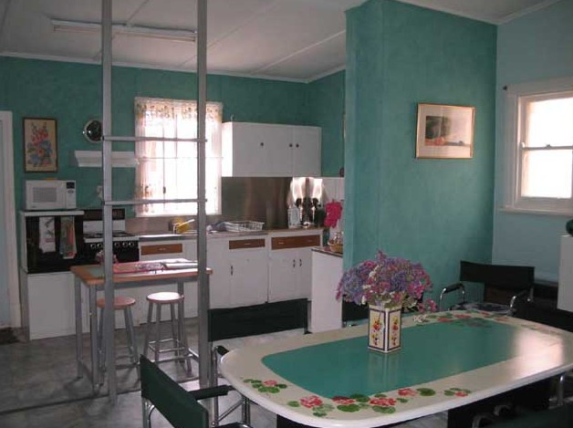 Lavender and Lace Cottage - Whitsundays Tourism