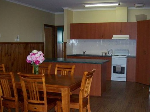 Riverland Holiday Cottage - Whitsundays Tourism