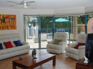 Golden Cane Bed and Breakfast - Whitsundays Tourism