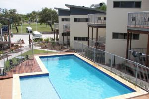 Emu's Beach Resort - Whitsundays Tourism