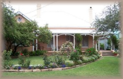 Guy House Bed and Breakfast - Whitsundays Tourism