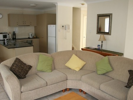 Pacific Sun Gold Coast Holiday Townhouse - Whitsundays Tourism