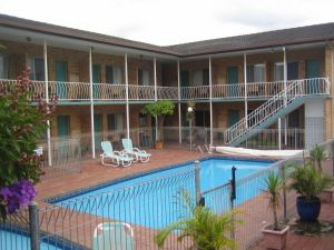 The Coasters Motel - Whitsundays Tourism