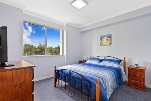 Lakeside Waterfront Apartment 18 - Whitsundays Tourism