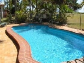 Kinka Palms Beach Front Apartments/Motel - Whitsundays Tourism