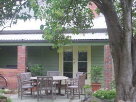 Bell Cottage - Whitsundays Tourism