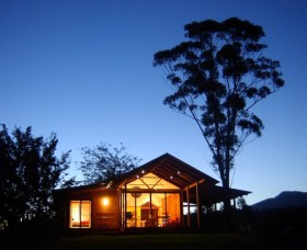 Promised Land Cottages - Whitsundays Tourism