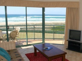 Currumbin Sands Holiday Apartments - Whitsundays Tourism