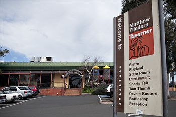 Matthew Flinders Hotel - Whitsundays Tourism