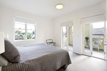 Albert Road Serviced Apartments - Whitsundays Tourism