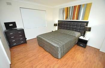 Balmain 3 Mont Furnished Apartment