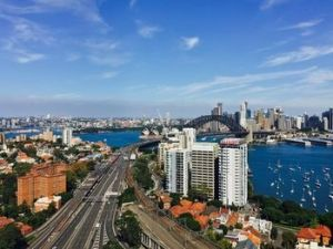 Meriton Serviced Apartments North Sydney - Whitsundays Tourism