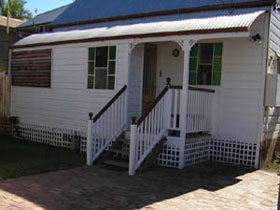 A Pine Cottage - Whitsundays Tourism