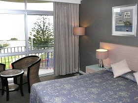 Scamander Beach Hotel Motel - Whitsundays Tourism