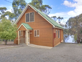 Orford Riverside Cottage - Whitsundays Tourism