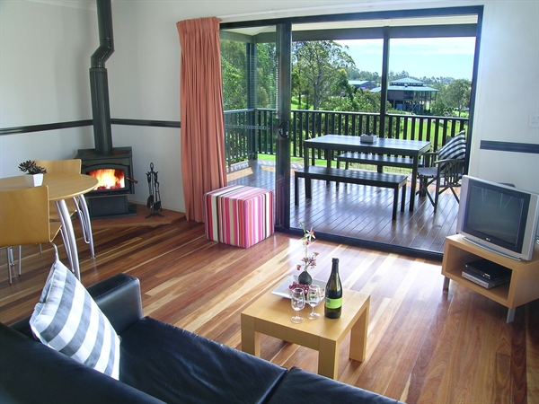 Ocean View Estate Accommodation - Whitsundays Tourism