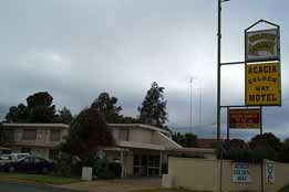 Acacia Golden Way Motel