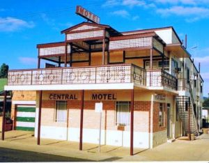 Central Motel - Whitsundays Tourism