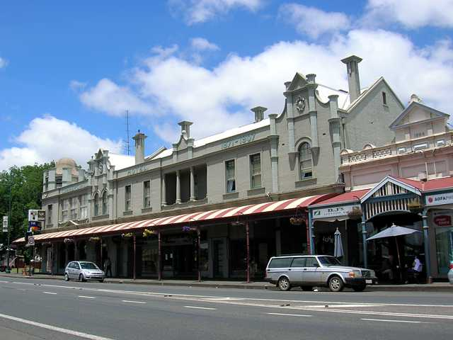 Commercial Hotel Camperdown - Whitsundays Tourism
