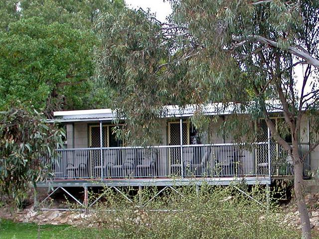 Donald Riverside Motel - Whitsundays Tourism