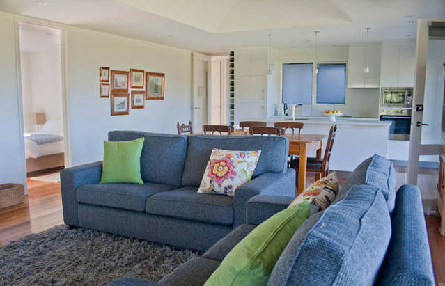 Orani Vineyard Guest House - Whitsundays Tourism