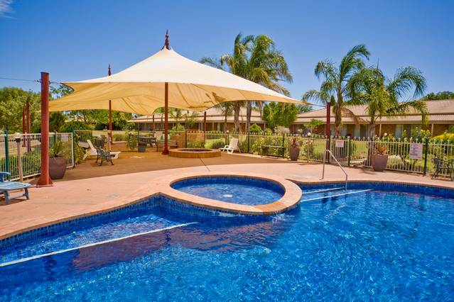 Paradise Lakes Motel - Whitsundays Tourism