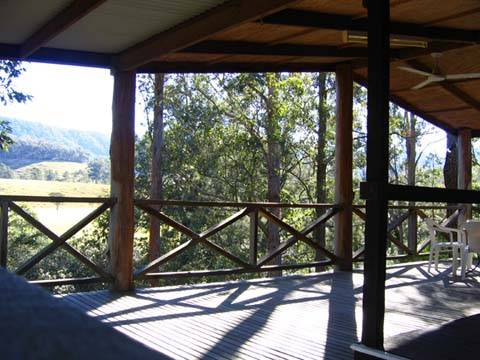 Riverwood Downs Mountain Valley Resort - Whitsundays Tourism