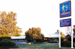 Swaggers Motor Inn  Restaurant - Whitsundays Tourism