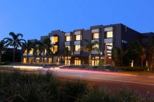 The Brighton Savoy Hotel - Whitsundays Tourism