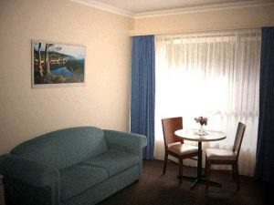 Victoria Lodge Motor Inn  Serviced Apartments - Whitsundays Tourism
