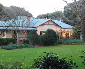 MossGrove Bed and Breakfast - Whitsundays Tourism
