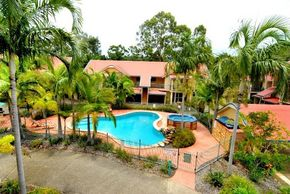 Beach Court Holiday Villas - Whitsundays Tourism