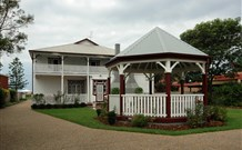 California Manor Bed and Breakfast - - Whitsundays Tourism