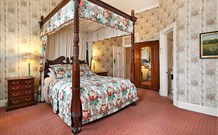 The Old George and Dragon Guesthouse - - Whitsundays Tourism