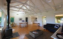 Yellow Dog Cottage - - Whitsundays Tourism