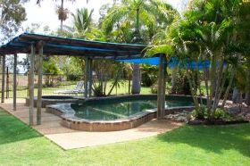 Balgal Beach Holiday Units - Whitsundays Tourism