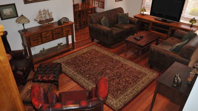 The Pommy Tree Bed and Breakfast - Whitsundays Tourism