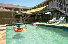 City Colonial Motor Inn - Whitsundays Tourism