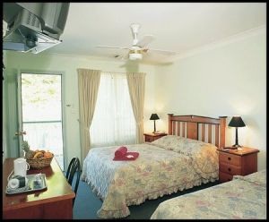 Miranda Lodge - Whitsundays Tourism