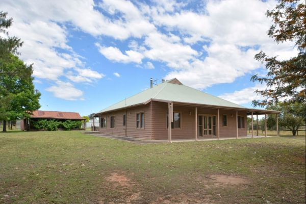 Grasmere Estate Homestead - Whitsundays Tourism