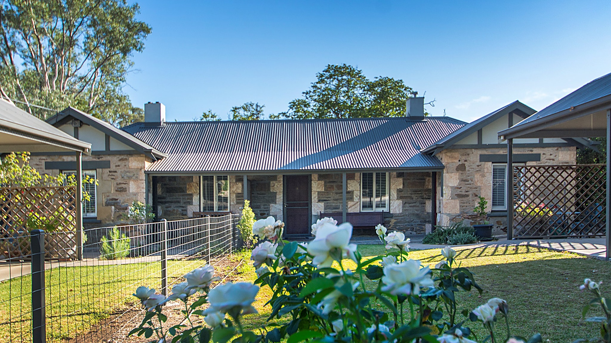 Stoneleigh Cottage Bed and Breakfast - Whitsundays Tourism